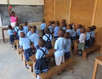 Schulklasse in Tansania
