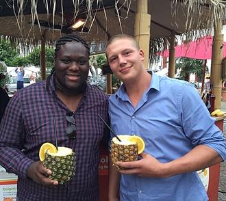 Als Helfer beim Afrika-Festival knüpft man Freundschaften