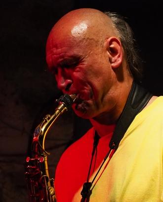 Harry Berger von der Kachikally Band