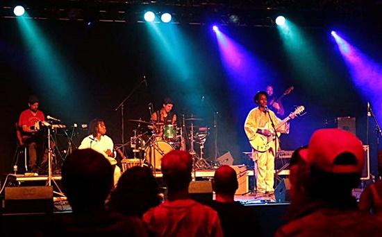 Sam Jarju und seine Reggae Manding Band